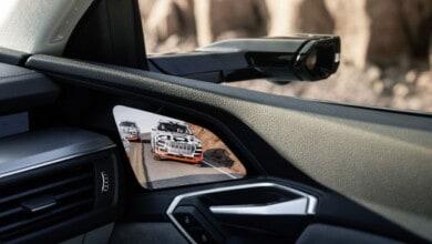 أودي ستزود سيارتها الجديدة e-tron بشاشات OLED من سامسونج